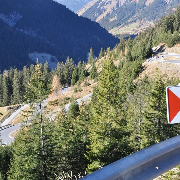 Wether Kitzbühler Alps, a panoramic tour at the Großglockner, a lake tour or taking a trip via the Zillertaler alpine road to the Schlegeis reservoir - you decide ...